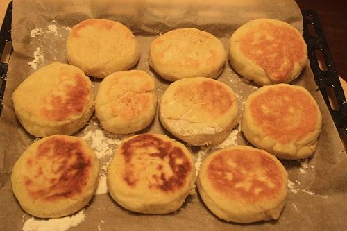 englische muffins br tchen keine kuchen birgitdiestarkeblog. Black Bedroom Furniture Sets. Home Design Ideas