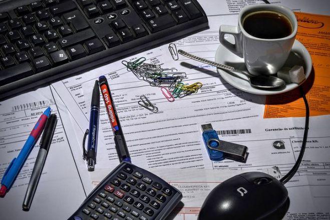 bookkeeper-1016299__480