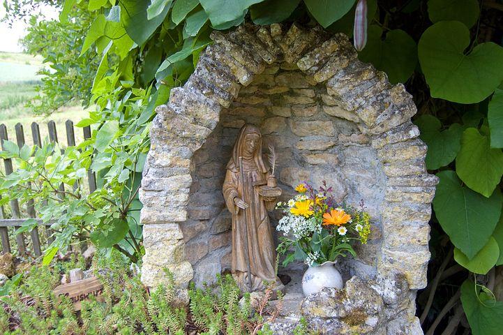 HildegardVonBingen_garden-86092__480